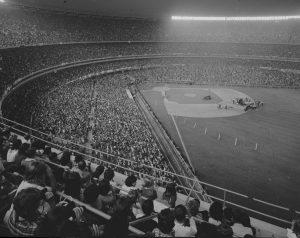 15-08-1965: THE BEATLES LIVE AT SHEA STADIUM - THE BEAT CIRCUS CUNEO