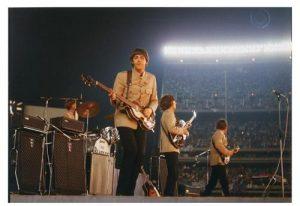 THE BEATLES LIVE AT SHEA STADIUM 15-08-1965 - THE BEAT CIRCUS CUNEO